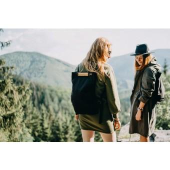 """BeWooden Praktischer kleiner schwarzer Rucksack mit Holzdetails """"Lini Minibackpack"""""""