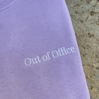 """The Life Barn – """"Out Of Office"""" Sweatshirt Unisex (lavendel)"""