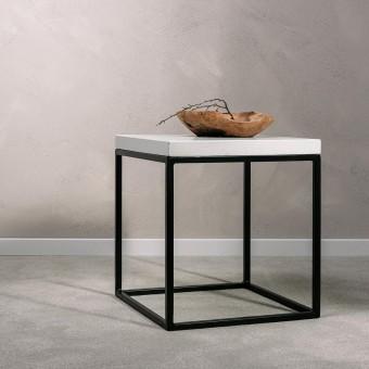 Von Heilig – Beistelltisch aus Beton und Stahl weiß