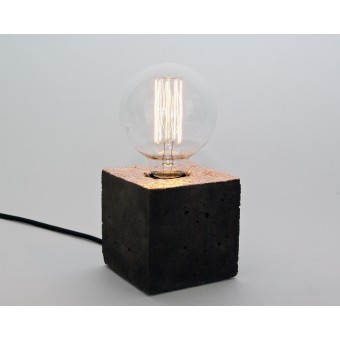LJ LAMPSalpha black kupfer - Tischleuchte aus schwarzem Beton mit Textilkabel