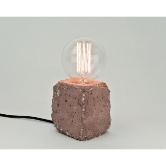 LJ LAMPS alpha demolished rot - Tischleuchte aus Beton mit Textilkabel