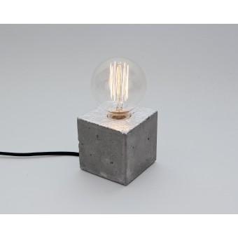 LJ LAMPS alpha silber- versilberte Tischleuchte aus Beton mit Textilkabel