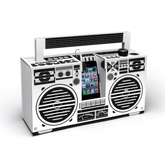 Berlin Boombox Soundsystem aus Wellpappe