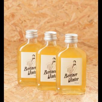 Berliner Winter - Die Alternative zu Glühwein. Alkoholisches Heißgetränk mit Apfelsaft, Wodka und Gewürzen. 0,1l 3er-Set