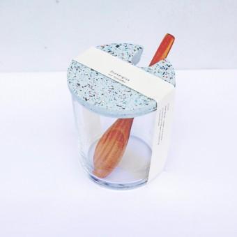 VLO design / Terrazzo Großes Glas mit Holzlöffel & blauem Deckel
