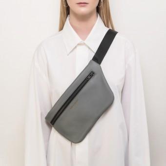 Crossbody Tasche Grau – aus premium pflanzlich gegerbtem Olivenleder®