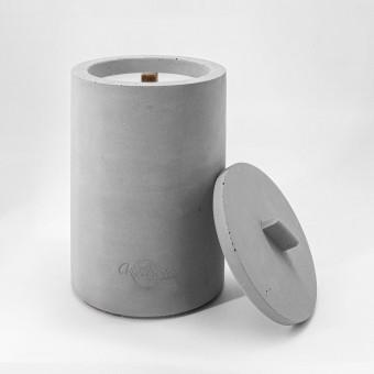 Beton-Outdoor-Feuer (H 17) mit wetterfestem Betondeckel. Oder: Der nachhaltige Wachs-Fresser von Grellroth Design