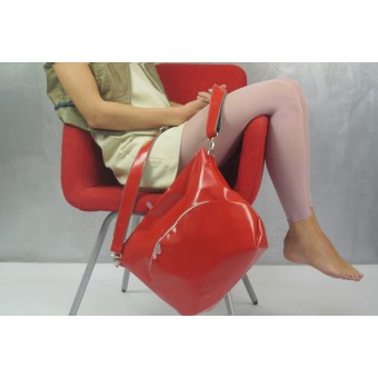 Pia Heise - rote mittlere Tasche