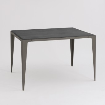 TISCH |CHAMFER| Schiefer-Schwarz | nachhaltiges Möbeldesign | WYE