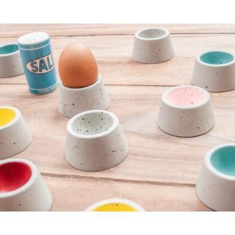 WOOD U? Eierbecher aus Beton - 4 Stück - bunt und fein