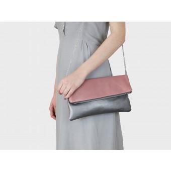 lille mus Foldover-Tasche Finja mit Umhängekette - Altrosa/Silbergrau aus Leder