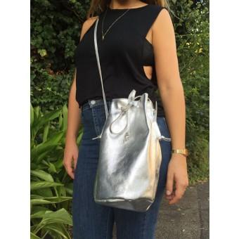 ElektroPulli Bucket Bag EBBA aus Leder - Silber
