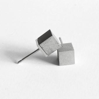 Moderner Beton-Ohrstecker CUBO | ORTOGONALE