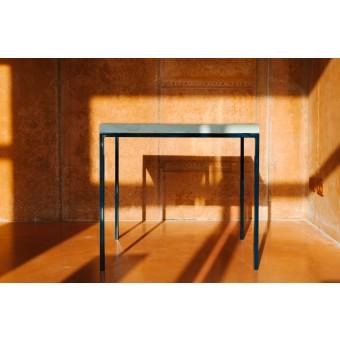 Quadratischer Upcycling Tisch aus recyceltem Bauholz und Stahl | GULPEN MIDNIGHT
