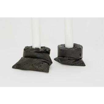 LJ LAMPS kappa schwarz, zwei Kerzenständer aus Beton