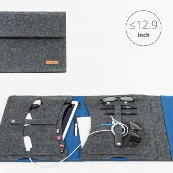 RÅVARE Tablet Organizer für große Tablets ≤12.9″ mit vielen Stecklaschen, iPad, Microsoft Surface, Samsung in grau-blau [KOCO L]