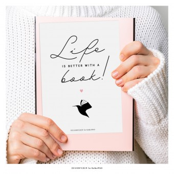 designfeder | Postkarte Life is better with a book (KolibriMAG)