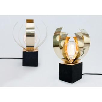 LJ LAMPS Alpha closed Psi – Leuchte aus Messing und schwarzem Beton