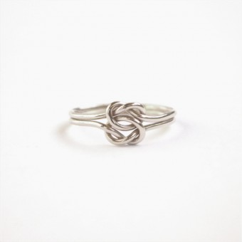 iloveblossom TIE OUR LOVE IN A DOUBLE KNOT RING // silver