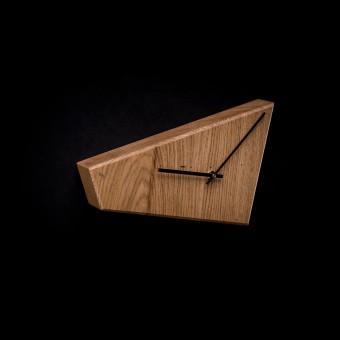 WANDUHR | Uhr aus massivem Eichenholz von Verschnitt