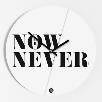 """Amy & Kurt Berlin Wanduhr """"Now or never"""""""