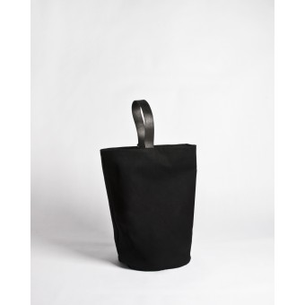 elevenelephant VOUS Bucket Sling Bag / black
