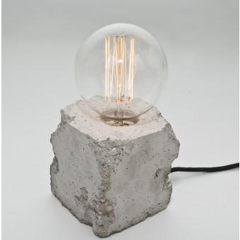 LJ LAMPS alpha demolished - Tischleuchte aus Beton mit Textilkabel
