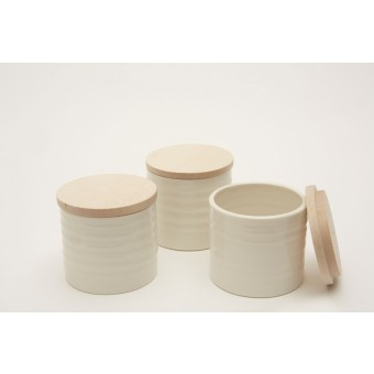 Annika Schüler - porcelain Porzellandöschen mit Holzdeckel aus Ahorn