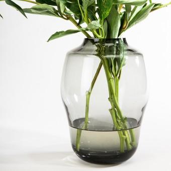 """Rauchglas Vase """"Blossom"""" –studio.drei"""