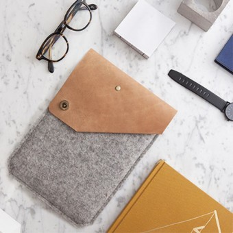 Alexej Nagel Hülle für iPad Air / iPad Air 2 / Pro aus Vintage Leder & Filz grau [G]