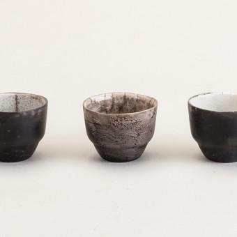 "Raku-Cup ""Ringo"" BLACK & WHITE – studio.drei"