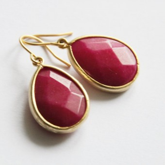 "nahili  OHRRINGE Einzelstück ""pink teardrop"" Gelbgold, goldene Granat Tropfen Ohrschmuck"