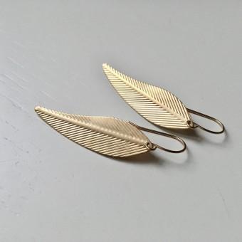 "nahili OHRRINGE ""feather leafs"" minimal Gelbgold nickelfrei"