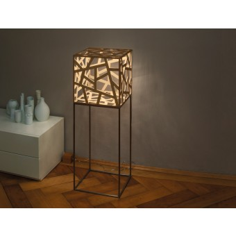 kubus midi mit Gestell – LED-Holzleuchte – Leuchtmanufaktur
