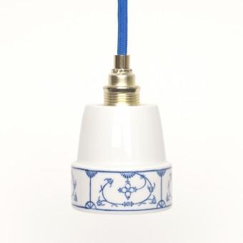 Lieselotte handgefertigte limitierte Lieselotte Hängelampe aus Vintage-Kaffeebecher mit indisch-blauem Dekor