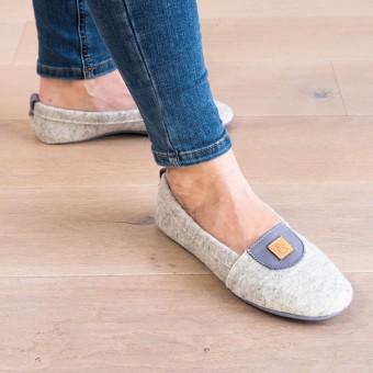 MEIN EIN & ALLES Hausschuhe für Damen aus Merino-Wolle und Bio-Leder in Grau