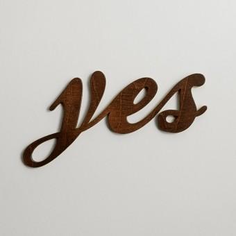 MOTIVSCHNITT Yes Wandobjekt (dunkel gebeizt)