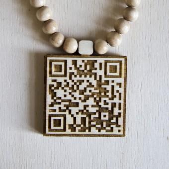 ODDSUPPLY QR-Code Holzkette