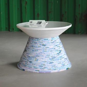 """Gompf & Kehrer Beistelltisch """"Paper Table"""" (blue and white)"""