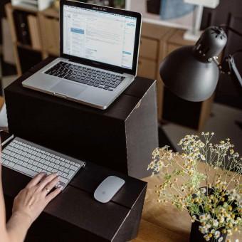 MonKey Desk Schreibtisch-Aufsatz für Stehschreibtisch - Größe L   ROOM IN A BOX