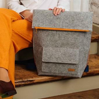 RÅVARE Großer puristischer City-Rucksack aus Filz, federleichter Messenger Backpack für die Uni
