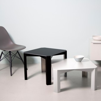 Tisc Side Table - Aluminium, eloxiert ~ Color Schwarz Matt - Hellen Westerhof