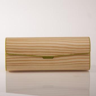 formes Berlin - Brillenetui aus Holzfurnier - Kiefer Grün