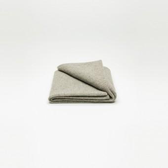 Rimma Tchilingarian – The Yak Down Scarf – Premium Yakwolle, platingrau – ungefärbt