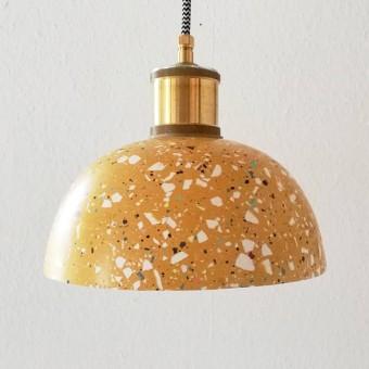 Terrazzo Hängelampe / Leuchte ocker-bunt  / objet vague