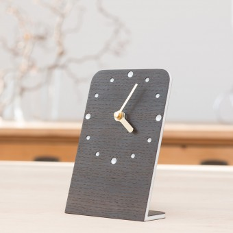klotzaufklotz Tischuhr Räuchereiche