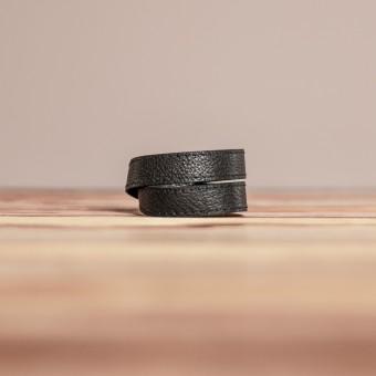 LEDERJUNGE – Wickelarmband, Armband »LIZ« aus Rhabarberleder (schwarz)